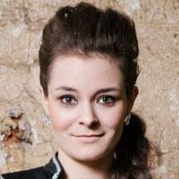 Zhenya Sergeeva — balalaika prima шоу-оркестра «Русский стиль»